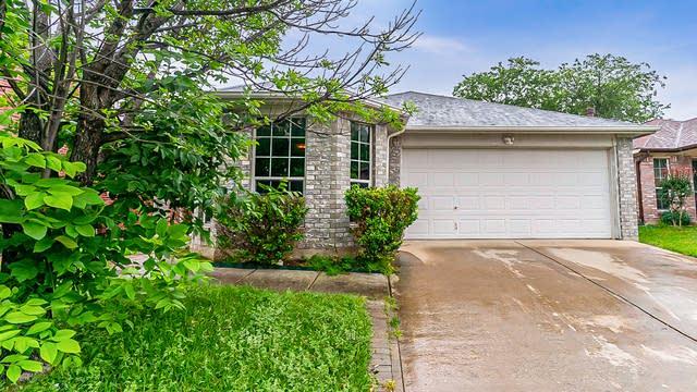 Photo 1 of 17 - 3028 San Martin Dr, Arlington, TX 76010