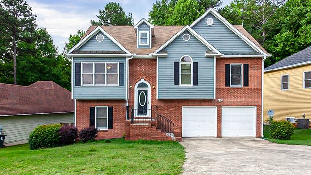 Photo 1 of 27 - 2729 Jerome Rd, College Park, GA 30349