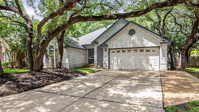 Photo 1 of 24 - 4516 Grand Forest Dr, Schertz, TX 78154