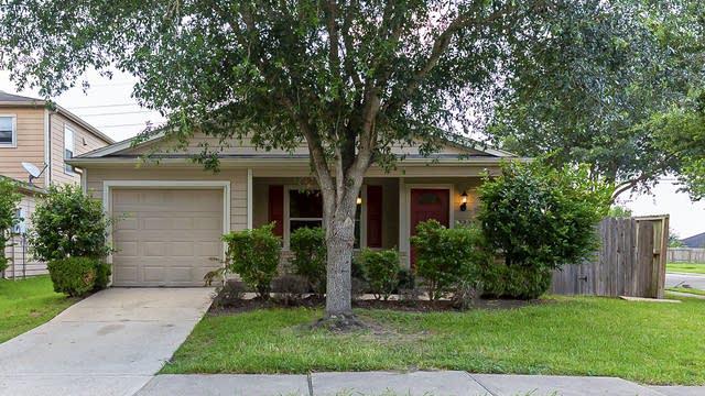 Photo 1 of 20 - 3235 Becker Glen St, Fresno, TX 77545