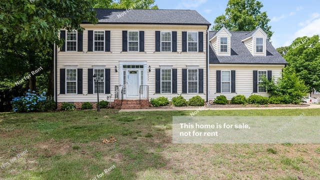 Photo 1 of 27 - 4825 Bivens Dr, Raleigh, NC 27616