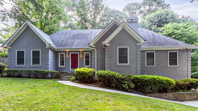 Photo 1 of 31 - 5511 Valley Brook Rd SE, Mableton, GA 30126