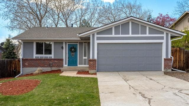 Photo 1 of 25 - 2121 S Devinney St, Lakewood, CO 80228