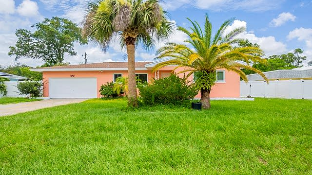Photo 1 of 22 - 1337 Dorothy Dr, Clearwater, FL 33764