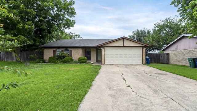 Photo 1 of 18 - 7404 Rhonda Ct, Watauga, TX 76148