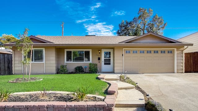 Photo 1 of 36 - 2216 Lee Way, Roseville, CA 95661