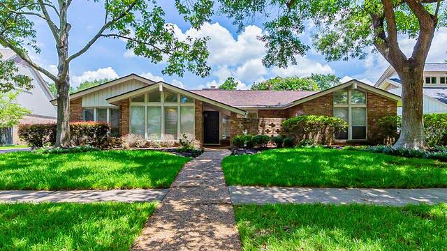 Photo 1 of 31 - 5706 Jackwood St, Houston, TX 77096