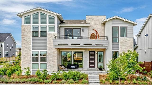 Photo 1 of 39 - 6103 Chester Way, Denver, CO 80239