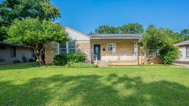 Photo 1 of 24 - 3933 Weyburn Dr, Fort Worth, TX 76109