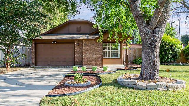 Photo 1 of 18 - 10092 Woodtrail, San Antonio, TX 78250