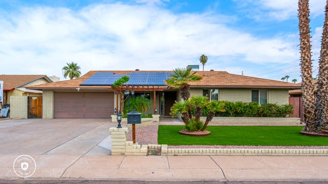 Photo 1 of 24 - 3510 W Cinnabar Ave, Phoenix, AZ 85051