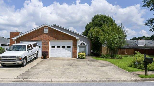 Photo 1 of 28 - 105 Wilbanks Dr, Fayetteville, GA 30215