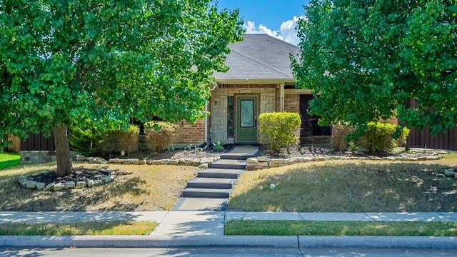 Photo 1 of 37 - 309 Shepherd Ln, Royse City, TX 75189